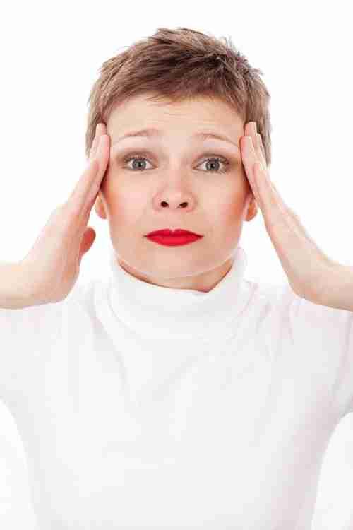 TMJ-dentist-Woman-in-pain